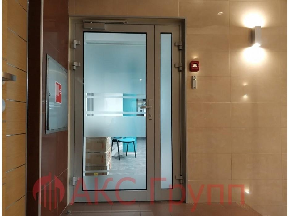 Противопожарная алюминиевая дверь EIWS 60