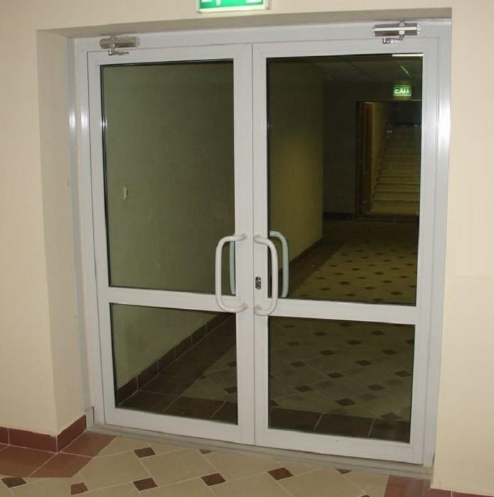 Алюминиевые двери ALUTECH W62